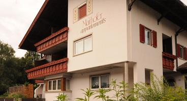 tn-appartements-mairhofer-front-sommer
